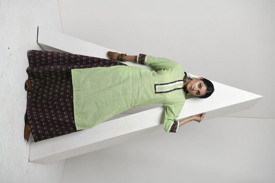 Picture of Mfab9  handloom kurti with yolk design