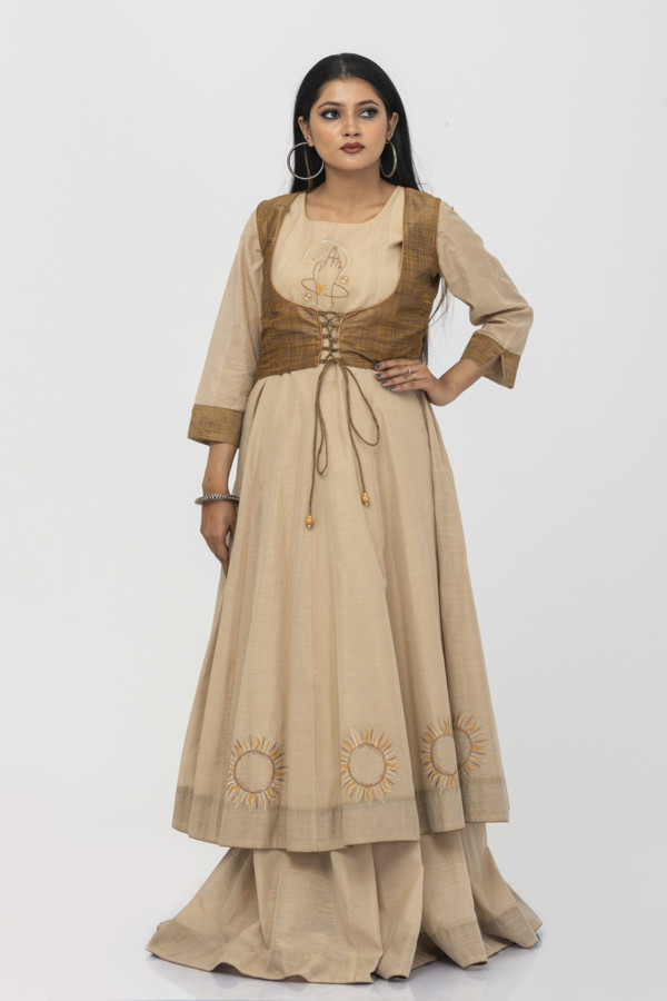 Picture of Mfab9 chanderi gown